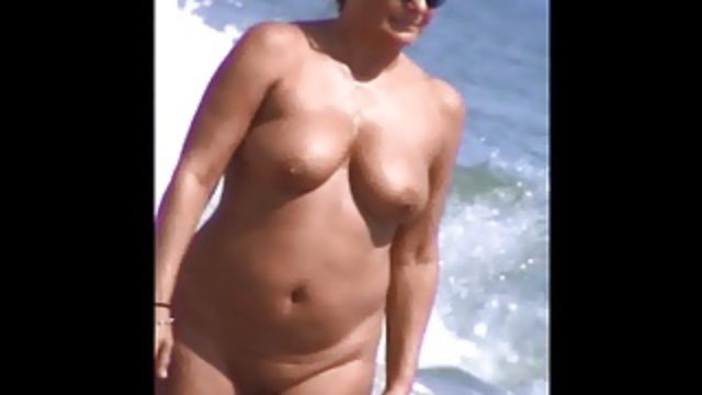 Caught mature jiggly tits 69 slow motion