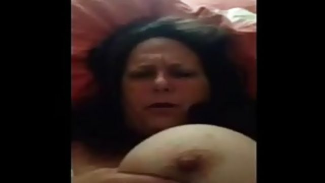 MILF Flashing Big Tits & Nipple