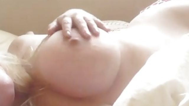 Selfie Amateur Blond with Great Tits in Bed!